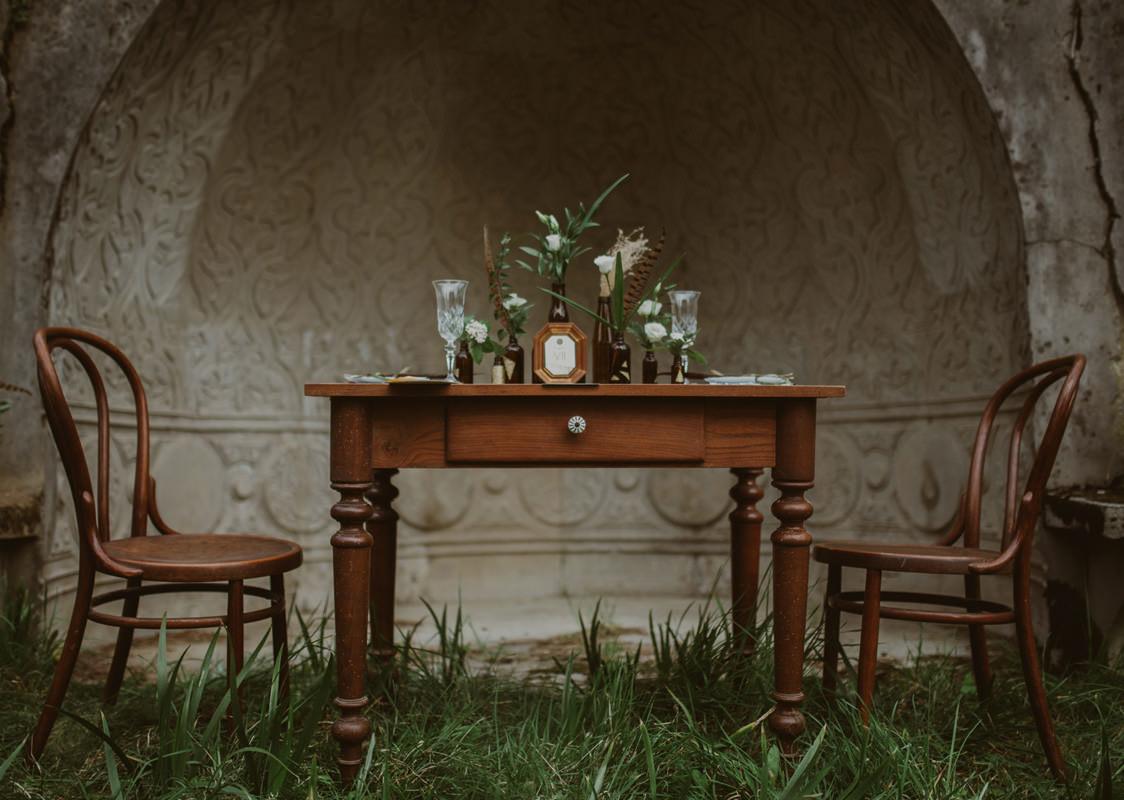Vintage boho chic wedding in abandoned neoislamic villa Rafut